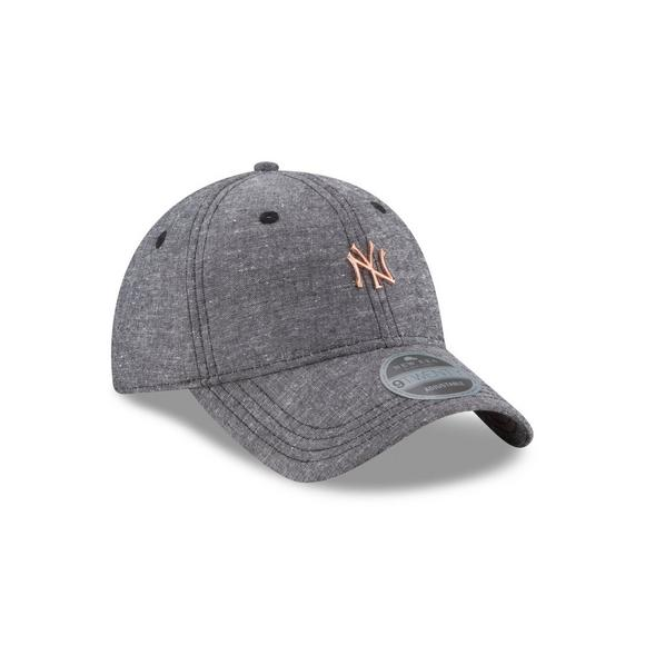 New Era New York Yankees Team Badged 9TWENTY Adjustable Hat - Main  Container Image 2 c1ac299ff