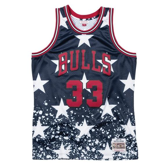 c2a739bf4609 Mitchell   Ness Men s S. Pippen Chicago Bulls 4th of July Swingman Jersey -  Main