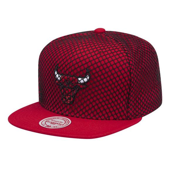 72c19cb49a3 Mitchell   Ness Chicago Bulls Champion Net Snapback Hat - Main Container  Image 1