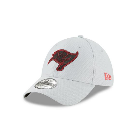 hot sale online 5cd5e deb4e New Era Tampa Bay Buccaneers Training 39THIRTY Stretch-Fit Hat - Main  Container Image 1
