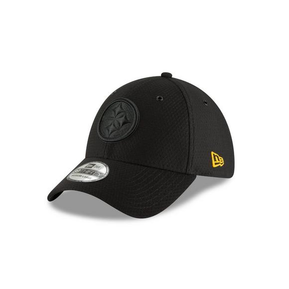b5880de63 New Era Pittsburgh Steelers Sideline 39THIRTY Stretch Fit Hat - Main  Container Image 1