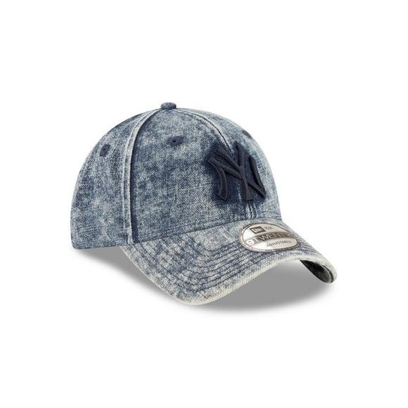 213456c26d7 New Era New York Yankees Denim Dipped 9TWENTY Adjustable Hat - Main  Container Image 2