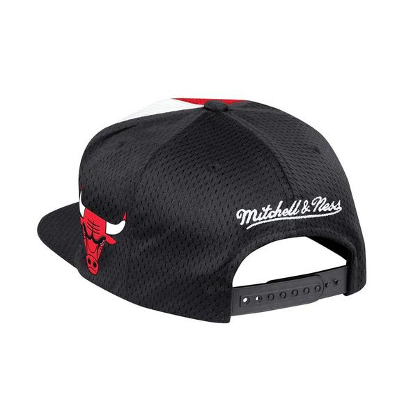 0897c2a44d5b6 Mitchell   Ness Chicago Bulls Division Snapback Hat - Main Container Image 2