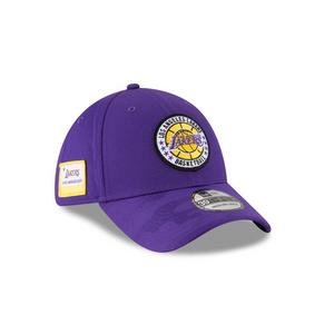 dd7e677cfb5 New Era Los Angeles Lakers Tip Off 9FIFTY Snapback Hat. Standard  Price 32.00 Sale Price 23.97. No rating value  (0)