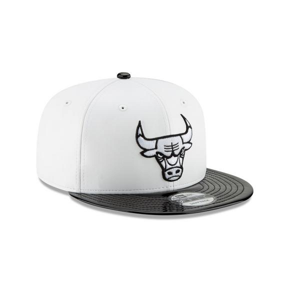 fc94f32af69f New Era Chicago Bulls 9FIFTY Concord Hook Snapback Hat - Main Container  Image 2