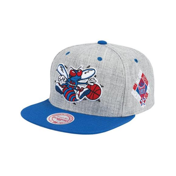 b9f765737d546e Mitchell & Ness Charlotte Hornets The Score Snapback - Main Container Image  1