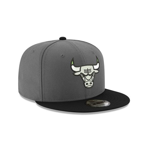 New Era Chicago Bulls 9FIFTY Tinker Chlorophyll Snapback Hat - Main  Container Image 2 7600b7916205
