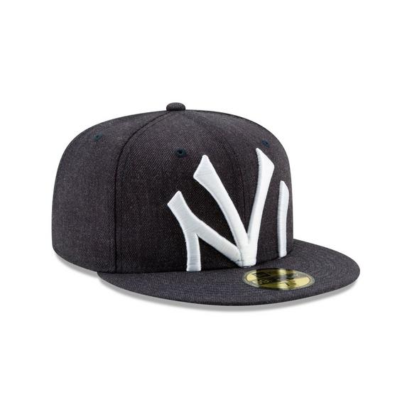 official photos 2173e e40fa New Era New York Yankees Logo Flipped 59FIFTY Fitted Hat - Main Container  Image 2