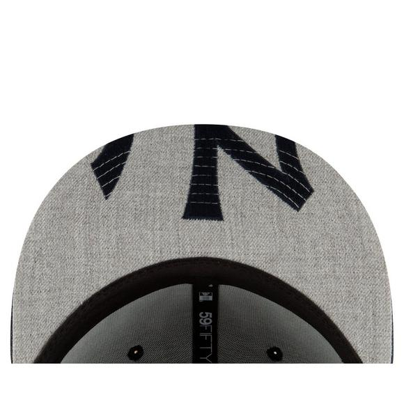 fceb653376940 New Era New York Yankees Logo Flipped 59FIFTY Fitted Hat - Main Container  Image 4