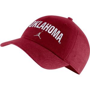 best loved 76a70 db1e5 Oklahoma Sooners Hats