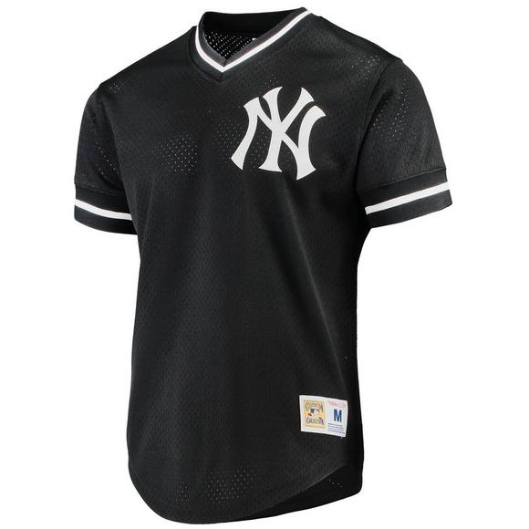 separation shoes 53b9e 0231d Mitchell & Ness Men's New York Yankees Black Mesh V-Neck Jersey