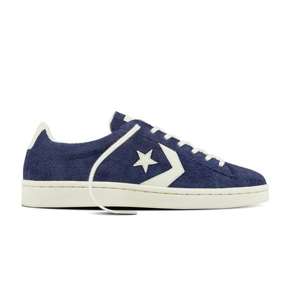 buy online f7a9c 66db3 Converse Pro Leather 76 Low Men s Casual Shoe - Main Container Image 1
