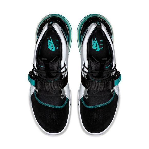 low priced 07d2f 04428 Nike Air Force 270
