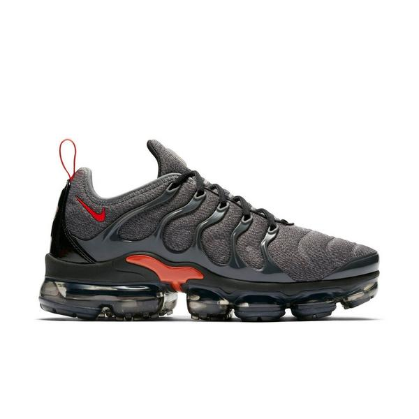 Display product reviews for Nike Air VaporMax Plus