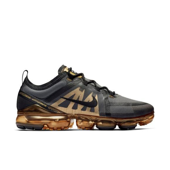 official photos ccc9c 16572 Nike Air VaporMax 2019