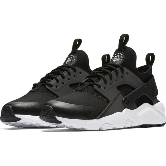 7eb6763668d6 Nike Air Huarache Run Ultra SE