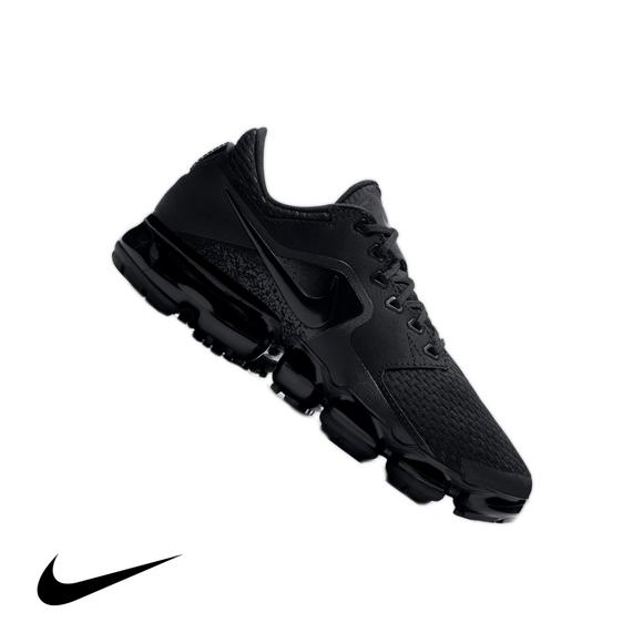 e67cc3f4fdd ... CDG x Nike Air VaporMax Flyknit Black White Rainbow 899473 003  Childrens Boys Girls Running Nike Air VaporMax Mesh Boys Grade ...