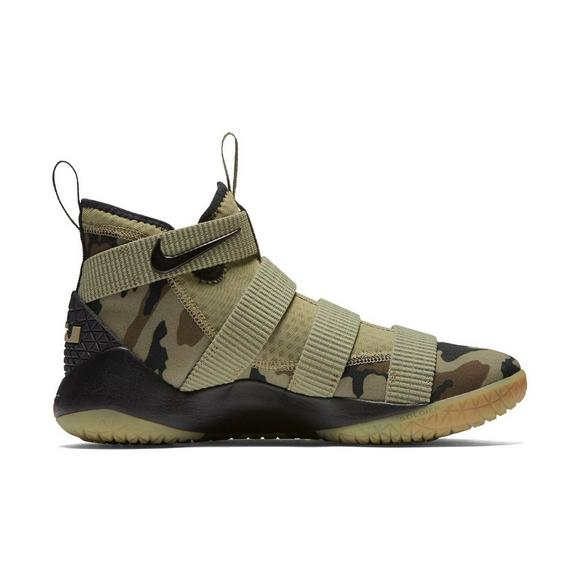 bc0627bb780b Nike LeBron Soldier 11