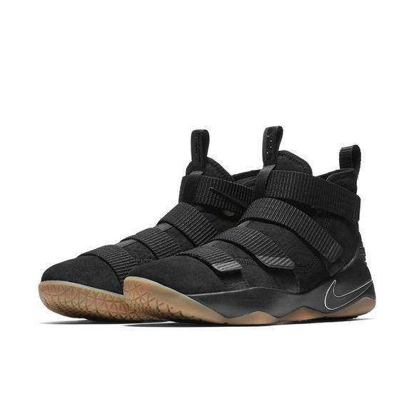 df9e8ca10c2 Nike Lebron Soldier 11