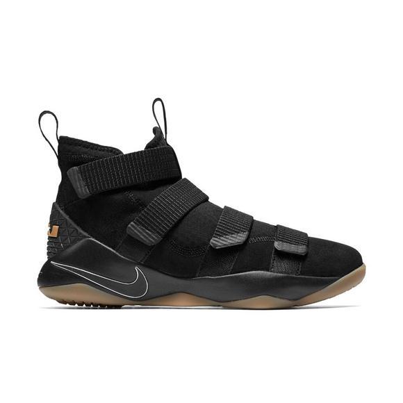 e70caec07d9d Nike Lebron Soldier 11