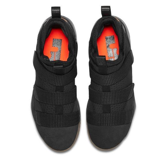 pretty nice b310f 7b878 Nike Lebron Soldier 11