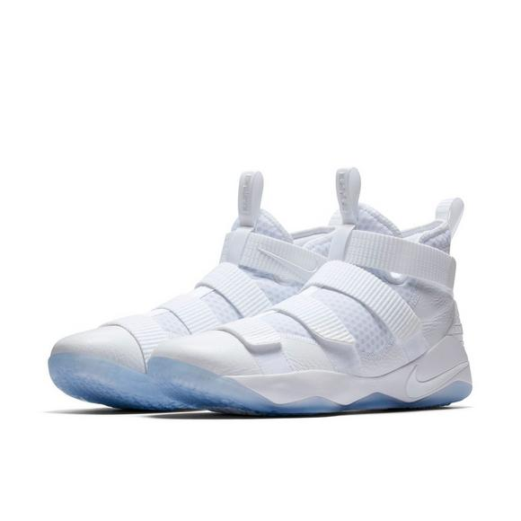newest ae3bb 4341c Nike Lebron Soldier XI Men's Basketball Shoe - Hibbett US