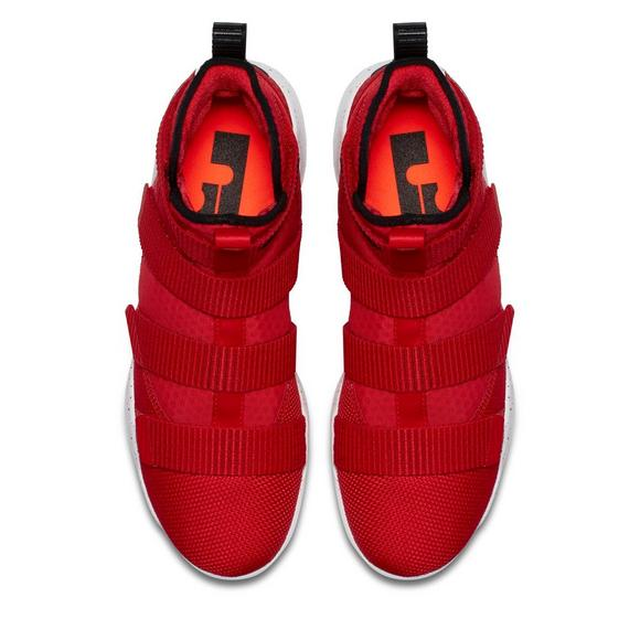 4fccb36be61 Nike Lebron Soldier XI