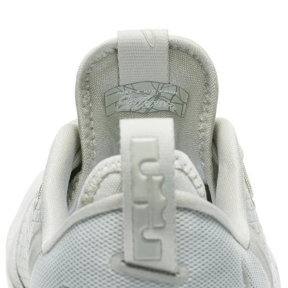huge discount a6ac5 451a0 Nike Lebron 14 Low