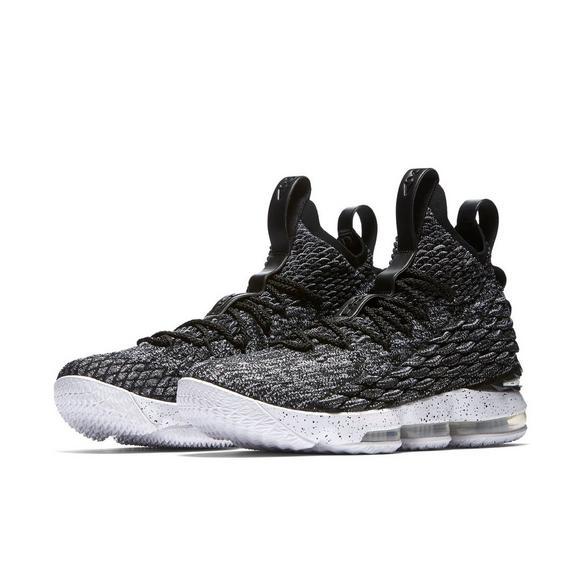 hot sale online 79240 1033d Nike LeBron 15