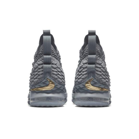 the best attitude f7f22 8fb06 Nike LeBron 15