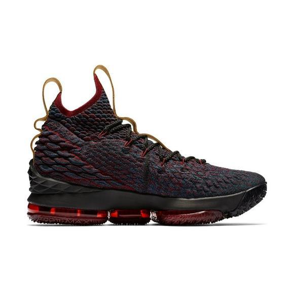 4c4d0b869c1 Nike LeBron 15