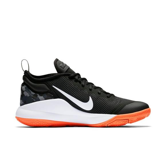 newest b58e3 66354 Nike Lebron Witness 2