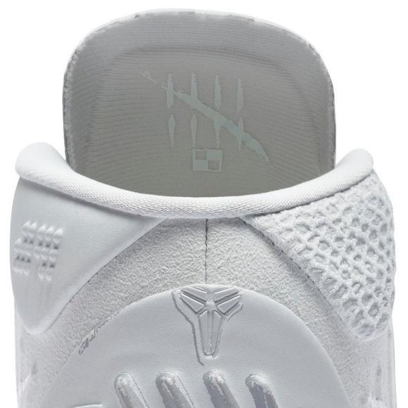 reputable site a92ac 6387b Nike Kobe AD 1