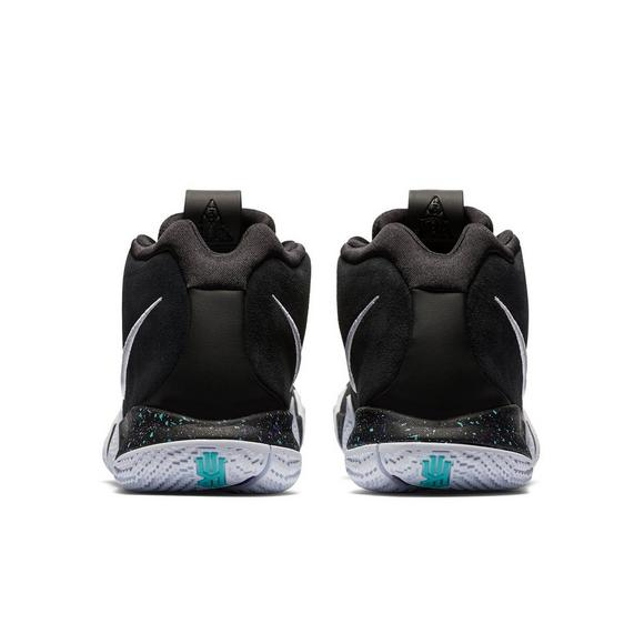 save off 80aad a3431 Nike Kyrie 4