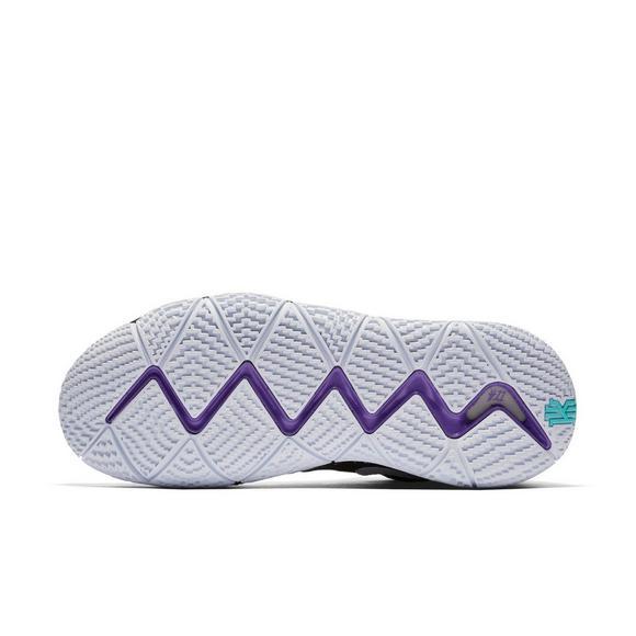 6477644b676 Nike Kyrie 4
