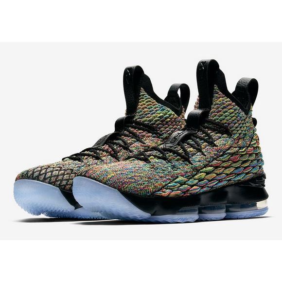 6510bb31442b Nike LeBron 15