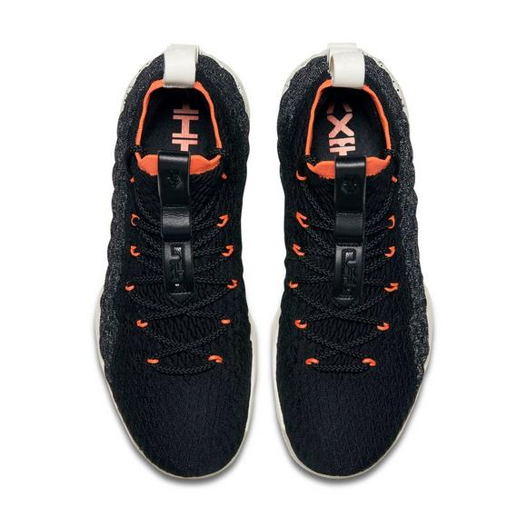 timeless design d16e9 2ab89 Nike LeBron 15