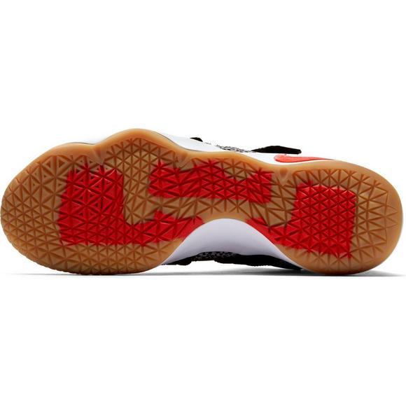 56a797749ef72 Nike LeBron Soldier 11 SFG