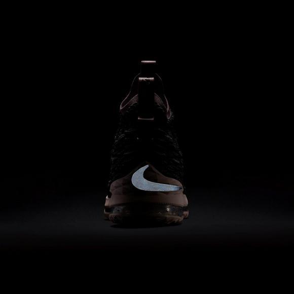 1e977ccf729d Nike LeBron 15