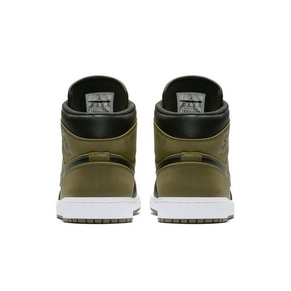 c242485b52 Air Jordan 1 Mid