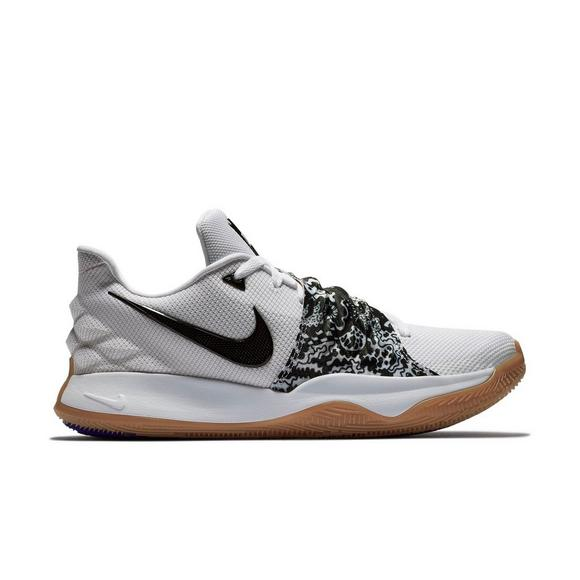 official photos 16a0f a82fa Nike Kyrie Low