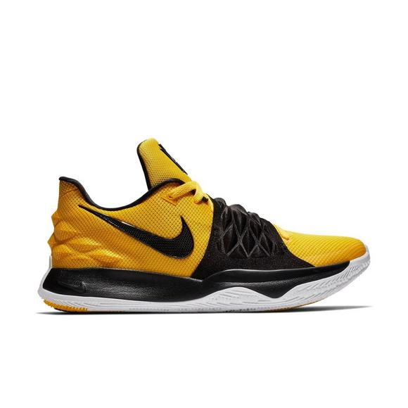 best sneakers 59f07 0a57e Nike Kyrie Low