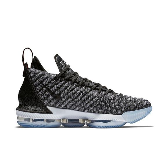 sports shoes da48e 9843b Nike LeBron 16