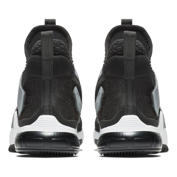 b72e56ad337 Nike LeBron Soldier XII SFG
