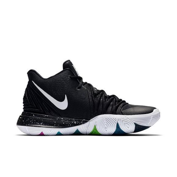 6d8e31ba556 Nike Kyrie 5
