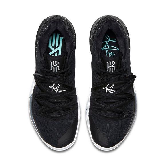2b5cc6dea70c5b Nike Kyrie 5