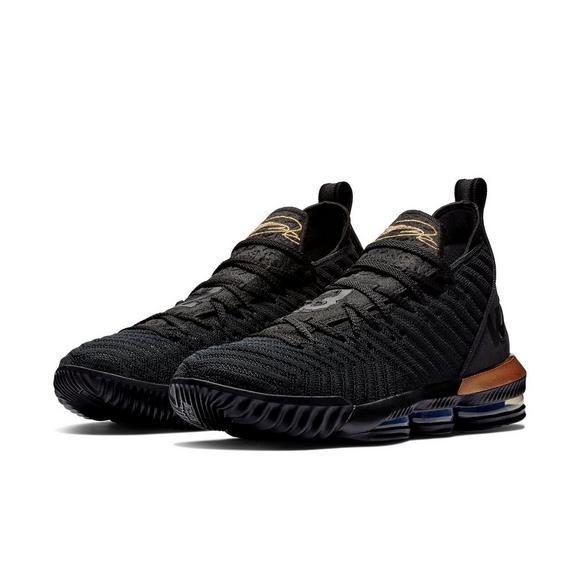 buy online 45f95 93b02 Nike LeBron 16