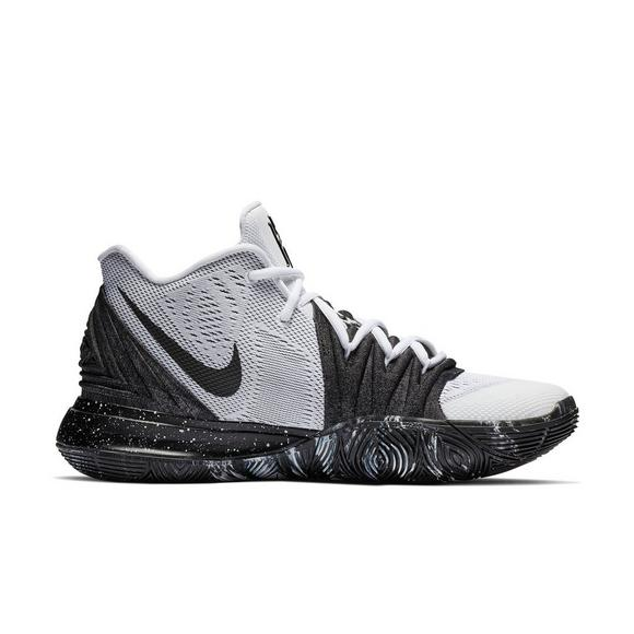 low priced 1e63c 0eba2 Nike Kyrie 5