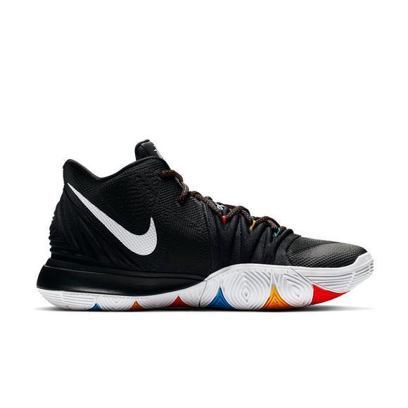 1d7d81318ff88 Nike Kyrie 5