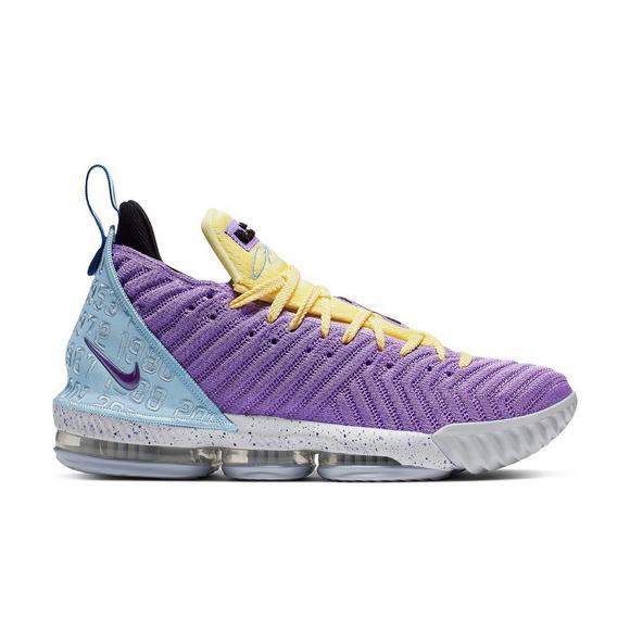 new concept 1af30 56a95 Nike LeBron 16